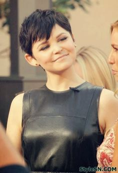 Short Hairstyles for Women With Round Faces: Ginnifer Goodwin Pixie Haircut - PoPular Haircuts Pixie Haircut For Round Faces, Short Hair Styles For Round Faces, Round Face Haircuts, Hairstyles For Round Faces, Pixie Hairstyles, Short Hairstyles For Women, Short Hair Cuts, Short Pixie, Messy Pixie