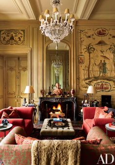 Interior designer Timothy Corrigan's Château du Grand-Lucé is for sale. This century chateau is located on 74 acres in France's Loire Valley! The chateau… Classic Decor, Classic Interior, Home Interior, Interior Design, Classic Style, Design Interiors, Architectural Digest, Br House, American Interior