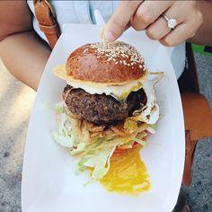 20 gasztrofotós, akit imádunk | NOSALTY – receptek képekkel Akita, Hamburger, Ethnic Recipes, Food, Essen, Burgers, Meals, Yemek, Eten