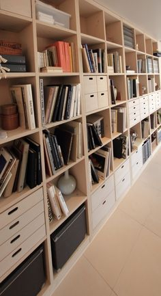 Closet Storage Diy The Wall 18 Ideas For 2019 Office Bookshelves, Bookshelf Storage, Closet Storage, Storage Shelves, Storage Spaces, Bookcase, Muji Storage, Estilo Muji, Home Room Design