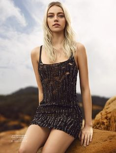 Model on the rise Pyper America Smith lands the February 2016 cover of L'Officiel Thailand, shining in a silver fringe embellished piece from Loewe. Pyper America Smith, Fashion Models, Fashion Beauty, Thailand Fashion, Wattpad, Saint Laurent Paris, Young Models, Editorial Fashion, Fashion Photography