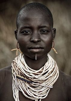 Karo Woman - Omo Ethiopia | Photograph by Eric Lafforgue- By Cris Figueired ♥