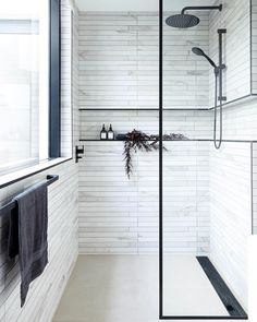 Walk In Shower 2019 Walk In Shower Black Frame Shower Screen Build Shower Niche/Recess The post Walk In Shower 2019 appeared first on Shower Diy. Bathroom Renos, White Bathroom, Small Bathroom, Master Bathroom, Master Baths, Modern Bathrooms Interior, Dream Bathrooms, Bathroom Interior Design, Interior Modern