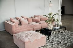 Bolia Look Book #atpatelier #atpatelierspaces #interior Pink Furniture, Pink Home Decor, Barbie Dream House, White Houses, Throw Pillows, Couch, Room Decor, Living Room, House Styles