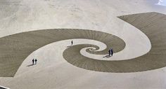Land Art by Jim Denevan Land Art, Art Plage, Sand Drawing, Art Environnemental, Art Et Nature, Street Art, Ephemeral Art, Snow Art, Environmental Art