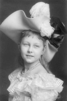 Prinzessin Viktoria Luise von Preussen. Late 1890s.