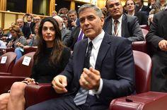 George Clooney, accompagnato dalla moglie Amal, e Richard Gere, con la fidanzara Alejandra Silva, sono stati premiati davanti a papa Francesco e circa 400 partecipanti, a conclusione del convegno di Scholas Occurrentes, con la medaglia dell'Ulivo della Pace. Presente anche l'attrice Salma Hayek, con…
