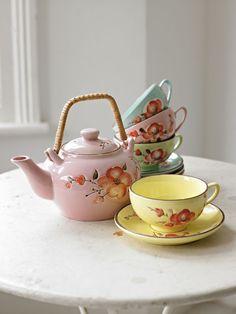 too cute. Japanese colorful tea set.