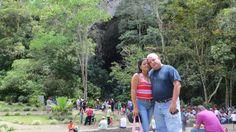 Cueva  del Guácharo, este es un parque rico en vegetación e historia, los turistas aguardan pacientemente el anochecer para presenciar la salida de los guácharos