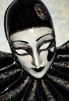 Venetian mask. #masks #venetianmask #madquerade http://www.pinterest.com/TheHitman14/art-venetian-masks-%2B/