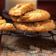 Biscuits aux arachides | Ricardo Peanut Cookies, Cake Cookies, Cupcake Cakes, Biscuit Ricardo, Dessert Ricardo, Biscuits, Ricardo Recipe, Pudding Desserts, Cooking Recipes