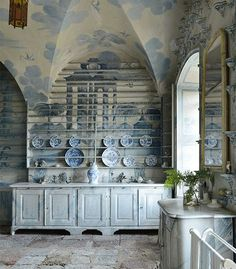 Design Dictionary: The porcelain room at Tureholm Castle in Sweden is example of chinoiserie and Gustavian style Decor Styles, Blue White Decor, Chinoiserie Decorating, Swedish Design, Gustavian Style, Blue And White, Swedish Interiors, Interior Design, Swedish Decor