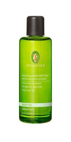 Das Aprikosenkernöl von Primavera ist ein universal einsetzbares Pflanzenöl, welches sich auch für die empfindliche Haut eignet. Ich liebe den unaufdringlichen und dennoch typischen Duft. Eine Mischung aus Bittermandel und getrockneten Aprikosen plus einen Hauch von Frische. Ich wende das Öl am liebsten zur Körperpflege nach der Rasur an, das es beruhigend auf gereizte Haut wirkt. Auch kann ich es zum Abschminken empfehlen. Naturkosmetik Produkte kaufen   Organic Beauty Shopping