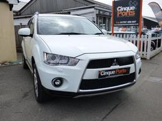 2011 (61) Mitsubishi Outlander DIESEL *AUTOMATIC * 4X4 * LOW MILES *MAIN DEALER HISTORY* For Sale In Rye, East Sussex - Image 1