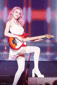 Solar mamamoo playing guitar
