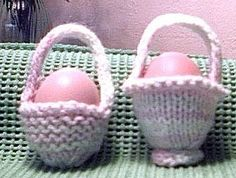 Sweet little easter baskets easter bunny knitting patterns and one egg easter basket knitting pattern free pattern negle Gallery