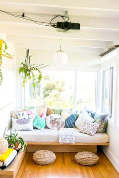 Small Space Solution: Double Duty DIY Daybeds - Nerine Worsley - Small Space Solution: Double Duty DIY Daybeds Sunroom with Daybed/reading nook (diy ideas + storage) - Sunroom Decorating, Decor, Small Spaces, Furniture, Diy Daybed, Home Decor, Reading Nook Diy, Room, Room Decor