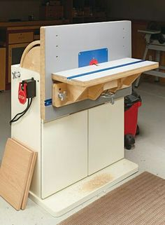 Horizontal and vertical combination router table.