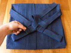 how to fold hakama and himo