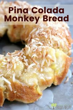 Pina Colada Monkey Bread with biscuits is a FUN sweet treat that will make everyone go YUM! Pina Colada Monkey Bread with biscuits is a FUN sweet treat that will make everyone go YUM! Breakfast Recipes, Dessert Recipes, Fruit Deserts Recipes, Dessert Bread, Breakfast Dishes, Brunch Recipes, Sweet Recipes, Dinner Recipes, Canned Biscuits