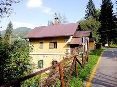Ismét+énblog+következik…+A+múlt+hétvégén+biciklitúráztam+egyet+a+szlovén-olasz+határon+átvezető+kerékpárúton.+A+dolog+érdekessége+az,+hogy+a+kerékpárút+95%-ban+felhagyott+vasútvonalon+halad.+A+sportmániás+feleségem+e+miatt+tudta+a+lusta+vasútmániás+férjét+a+túráról…