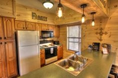 Sasquatch Ridge Pigeon Forge vacation rental cabin kitchen