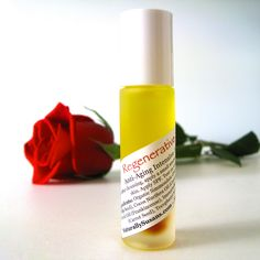 Guess what was the talk of the town on Sunday? Our new Regenerative Serum that is! Formulated with a potent blend of cellular-regenerative botanicals including Rose Hip, Helichrysum, Frankincense, and CarrotSeed...our anti-aging intensive serum is rich in skin-rejuvenating fatty acids and antioxidant vitamins A, C, E, and beta carotene to help protect and repair skin. Tone and lift, reduce hyperpigmentation, and hydrate and soften skin. All natural facial serum.