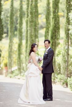 Sweet Violet Bride - Romantic umbria italy destination wedding Looking back saying goodbye!
