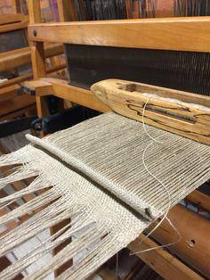 Weaving pleats