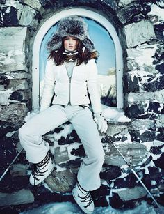 Skiwear has drastically changed from its introduction in the 1930s. Today, skiwear is a very large market and is also very expensive. In the 1930s, skiwear was introduced as matching jackets, sweaters, and trousers. 4/3