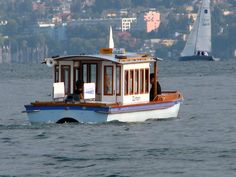 """Táxi Aquático"". (Wassertaxi). * Zürichsee * = * Lago de Zurique * # Sudoeste do Cantão de Zurique, Suíça."