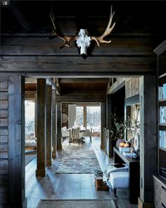 A Cozy Mountain Home in Norway (Gravity Home) Beach Cottage Style, Beach Cottage Decor, Scandinavian Cabin, Haus Am Hang, Chalet Interior, Interior Design, Interior Plants, Mountain Cottage, Gravity Home