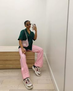 I guess pink and green are amongst my fav color combos Fashion Killa, 90s Fashion, Fashion Looks, Fashion Outfits, Look Boho, Style Casual, How To Pose, Colourful Outfits, Aesthetic Clothes