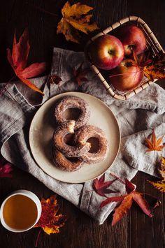 Apple Cider Doughnuts Autumn recipe for donuts Slow Cooking, Apple Cider Donuts, Autumn Cozy, Autumn Tea, Autumn Aesthetic, Fall Desserts, Autumn Inspiration, Style Inspiration, Fall Recipes