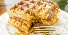 Pumpkin Spice Waffles #Wheat #flour #baking #cooking #breadflour #bread Waffle Recipes, Bread Recipes, Whole Food Recipes, Vegan Recipes, Pumpkin Spice Waffles, Pumpkin Bread, Fluffy Waffles, Vegetarian Breakfast Recipes, Veggie Delight