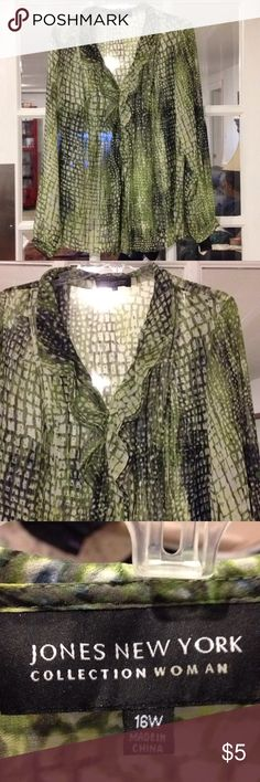 Jones New York 16W Blouse good condition 16W Jones New York Blouse good condition Jones New York Tops Blouses
