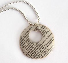 Mod Podge Dictionary Necklace - with meaningful word Paper Jewelry, Paper Beads, Jewelry Crafts, Handmade Jewelry, Plastic Jewelry, Jewelry Ideas, Jewelry Accessories, Ideas Joyería, Diy Collier