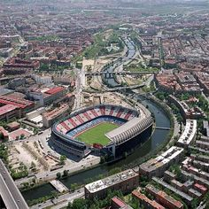 Stadium Vicente Calderon in Madrid Spain Home of Atletico Madrid Fifa Football, Football Stadiums, Foto Madrid, Soccer Stadium, Football Pictures, Camp Nou, European Football, Spain And Portugal, Liverpool Fc