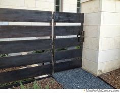 Mad for Mid-Century: Mid-Century Modern Fence Ideas from Austin
