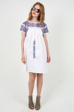 Lovely Embroidered Mexican Dress (Small - Medium)