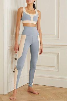 Sporty Outfits, Cute Outfits, Leggings Gris, Yoga Wear, Sports Leggings, Sport Wear, Fitness Fashion, Fitness Wear, Athletic Wear
