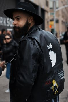 http://chicerman.com  billy-george:  Spotted in New York  Photo via Men in this Town  #streetstyleformen