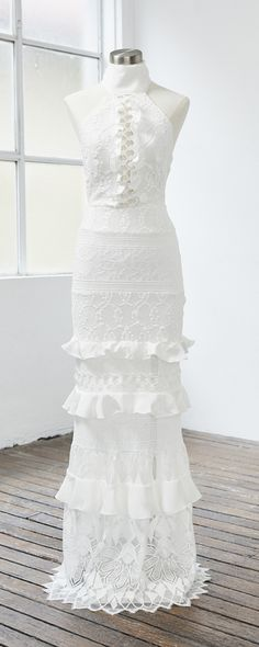 [tps_header]  Dress from Grace Loves Lace.     (adsbygoogle = window.adsbygoogle || []).push({}); [/tps_header] Specialising in luxurious & effortless wedding gowns, Grace Loves Lace delivers artfully crafted desi...