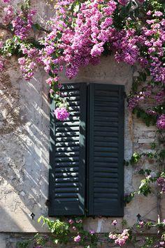 Window in Sirmione, Lake Garda, Italy