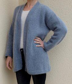 Tricolyne: Gilet Veste toute douce Cute Insta Captions, Knitting Patterns, Crochet Patterns, Owl Hat, Knit Vest, Knit Crochet, Sweaters, Cardigans, Couture