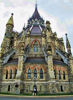 La bibliothèque du Parlement d'Ottawa, Canada © Creative commons