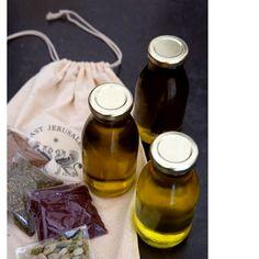 Olive oil organic 3 bottles of jerusalem & 3 spices Chicken Nuggets, Valentines Gift Box, Organic Oil, Veggie Recipes, Veggie Food, Natural Oils, Food Truck, Spices, East Jerusalem
