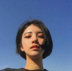 grafika asian, ulzzang, and girl Asian Short Hair, Girl Short Hair, Short Girls, Short Hair Cuts, Korean Short Hairstyle, Short Hair Korean Style, Ulzzang Short Hair, Ulzzang Girl, Hair Inspo