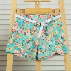 Short Floreados,full tendencia $8.000.-