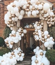 How to Make Cheap and Easy Wedding Decorations - Balloon Garland wh. How to Make Cheap and Easy Wedding Decorations - Balloon Garland white and gold wedding balloon arch. Wedding Balloon Decorations, Simple Wedding Decorations, Wedding Balloons, Birthday Balloons, Simple Weddings, Wedding Entrance Decoration, Garland Wedding, Balloon Installation, Balloon Backdrop